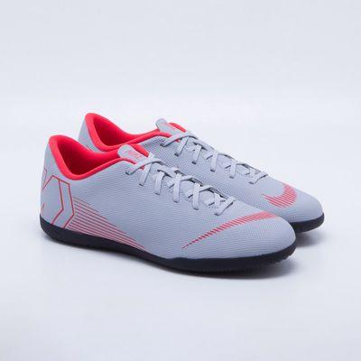 491e9ef59 Chuteira Futsal Nike MercurialX Vapor 12 Club IC Cinza e Vermelho ...