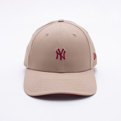 7ca09c3a53 Boné New Era 940 New York Yankees MLB Bege Bege - Gaston - Paqueta ...